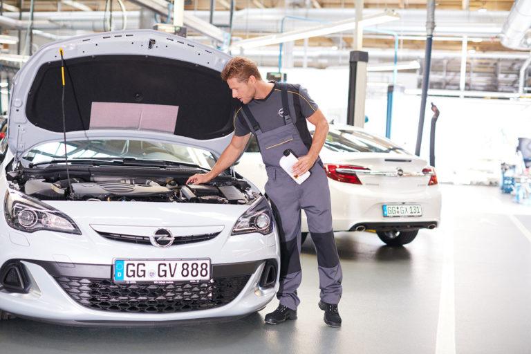 Autopflege Werkstatt Generalüberholung TÜV Opel Werbeshooting