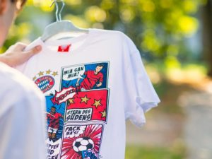 Textilfotografie Peter Beckstein Merchandising Werbeshooting FC Bayern