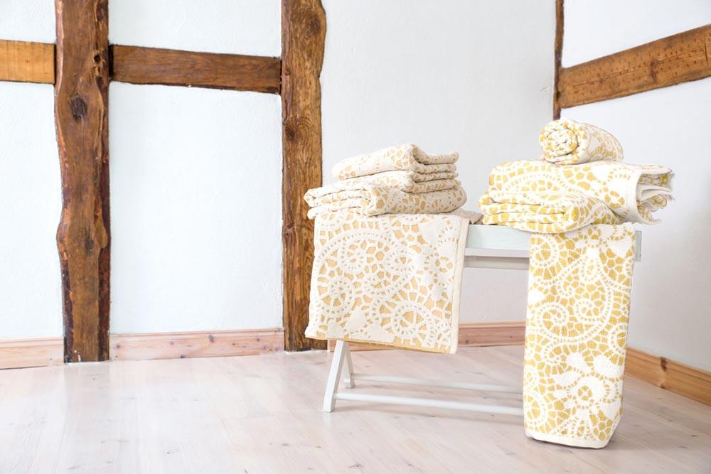 Textilshooting Pixelbäcker Handtücher Muster Holzmaserung Altbau Optik